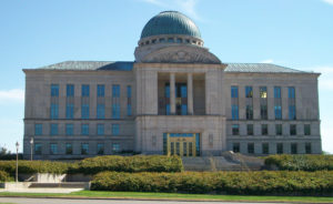 Image of the Iowa Judicial Branch Building by Ctjf83 / Wikimedia Commons.